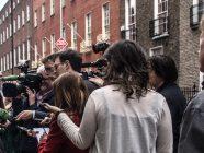 Migranten sind in den Medien selbst zum Thema geworden. Sollten sie da nicht auch in den Redaktionen häufiger anzutreffen sein?