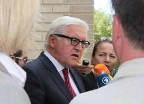 Steinmeier mit Journalisten