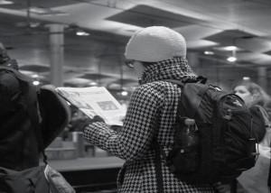 Lesen junge Menschen Zeitung? Bei der jungen Leserschaft ist der Einbruch bei den deutschen Regionalzeitungen drastisch.
