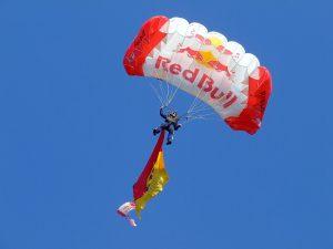 parachuting-872483_1920